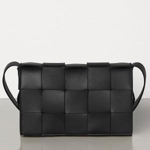 Bottega Veneta Cassette Bag In Black Lambskin