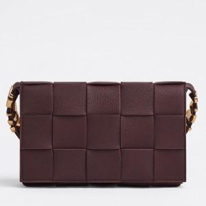 Bottega Veneta Cassette Bag In Burgundy Grained Leather