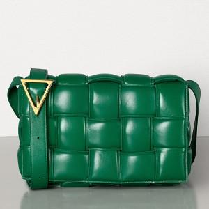 Bottega Veneta Padded Cassette Bag In Racing Green Calfskin