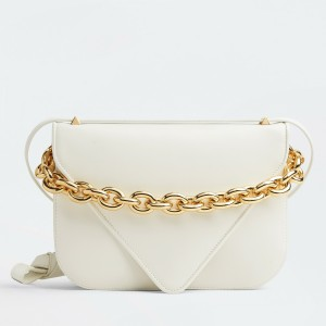 Bottega Veneta Mount Medium Envelope Bag In White Calfskin