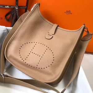 Hermes Evelyne III 29 Bag In Trench Clemence Leather