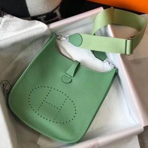 Hermes Evelyne III 29 Bag In Vert Criquet Clemence Leather