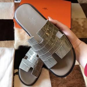 Hermes Izmir Sandals In Grey Shiny Niloticus Crocodile