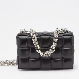 Bottega Veneta Chain Cassette Bag In Noir Calfskin