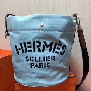 Hermes Grooming Bucket Bag In Blue Canvas