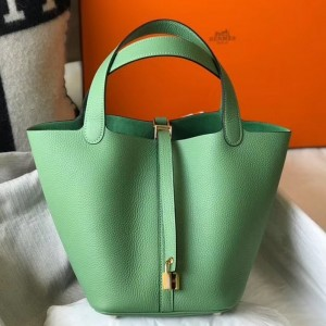 Hermes Picotin Lock 22 Bag In Vert Criquet Clemence Leather