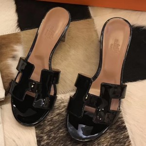 Hermes Oasis Sandals In Black Patent leather